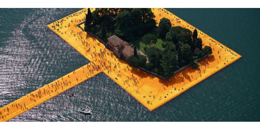 The Floating Piers - Christo & Jeanne Claude